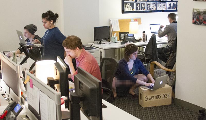 squatting desk pic 4
