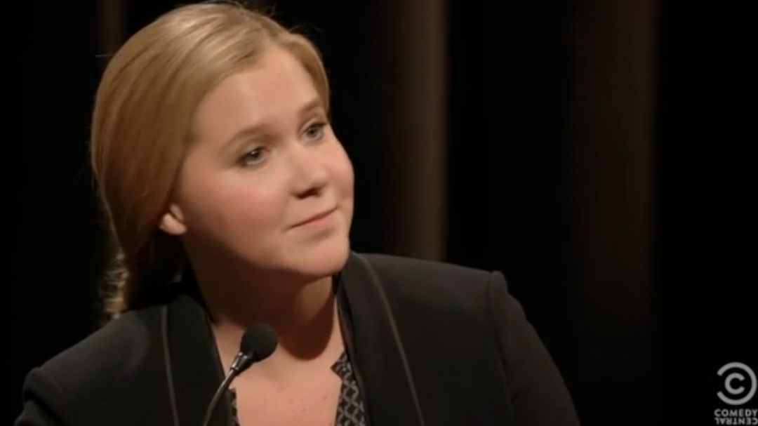 """'Inside Amy Schumer's' """"I'm Sorry"""" Sketch Tackles The Problem With Over-Apologizing"""