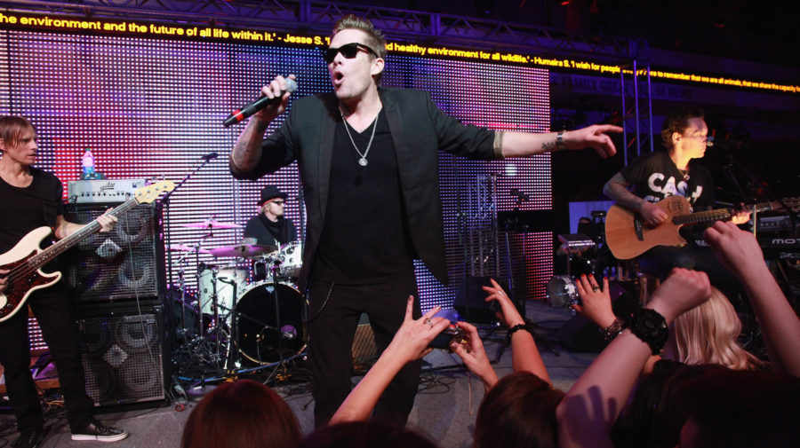 """Mark McGrath From Sugar Ray Tearfully Admits: """"I Wanted To Do So Much More Than Fly"""""""