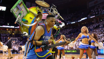 Russell Westbrook Plays OKC Halftime Show In One Man Band Outfit