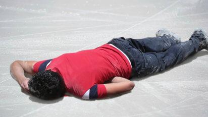 Way Worse: Predators Fan Throws Dead Body On Ice