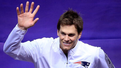 Brady Gets 6th Finger Surgically Added To Hand To Hold Future Ring