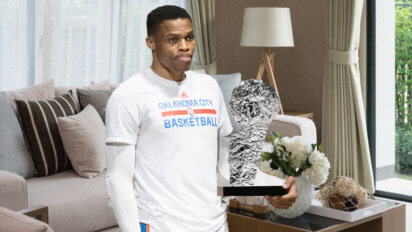 Russell Westbrook Makes His Own Finals MVP Trophy Out of Aluminum Foil